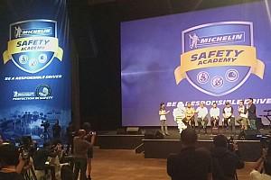 Automotive Breaking news Michelin, Rio Haryanto, dan 250 Pelajar DKI Jakarta menandatangani Deklarasi Keselamatan  Berkendara