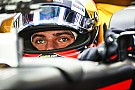 Vídeo: Verstappen mostra pintura de capacete para 2018