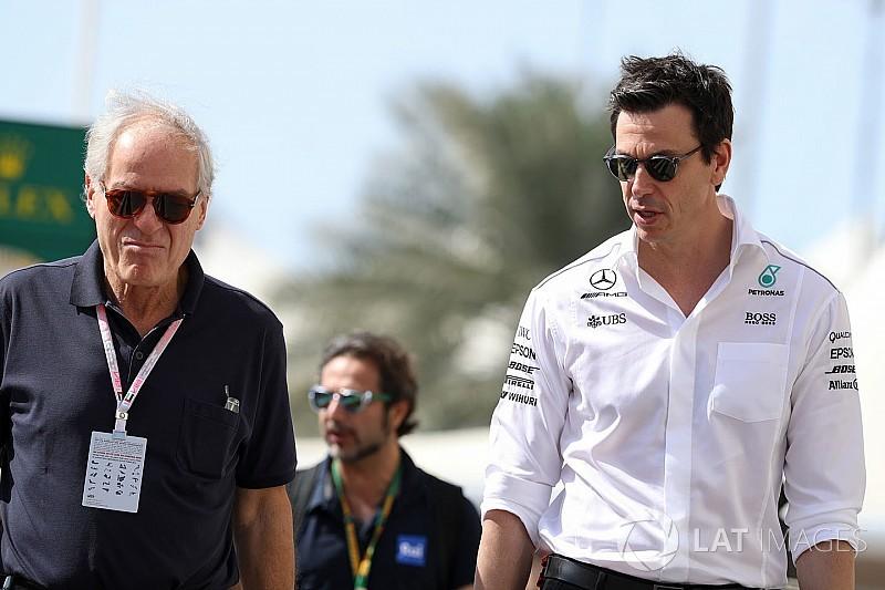 Mercedes coloca McLaren e Renault como rivais em 2018
