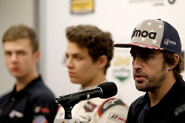 Norris admite que seu futuro na F1 depende de Alonso