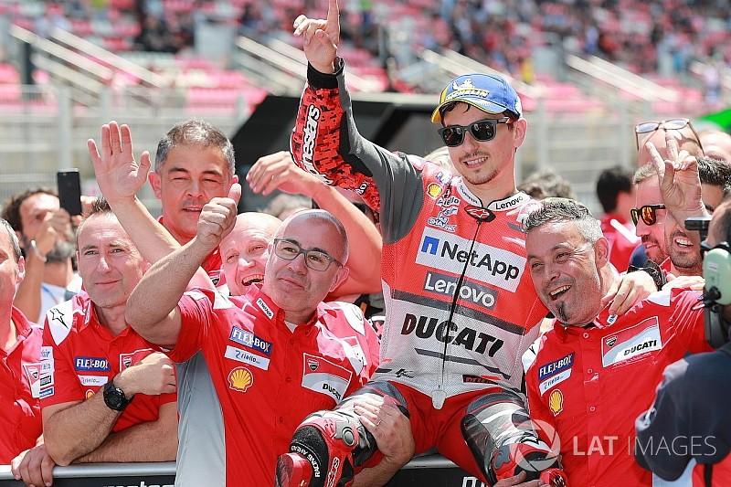 Barcelona Motogp Lorenzo Beats Marquez For First Ducati Pole