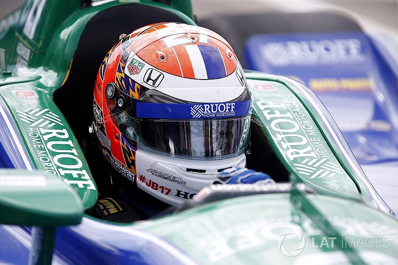 Rossi toma la pole para la carrera 2 en Detroit