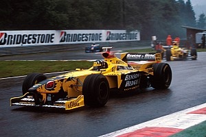 Формула 1 кумедно привітала з Днем святого Патрика