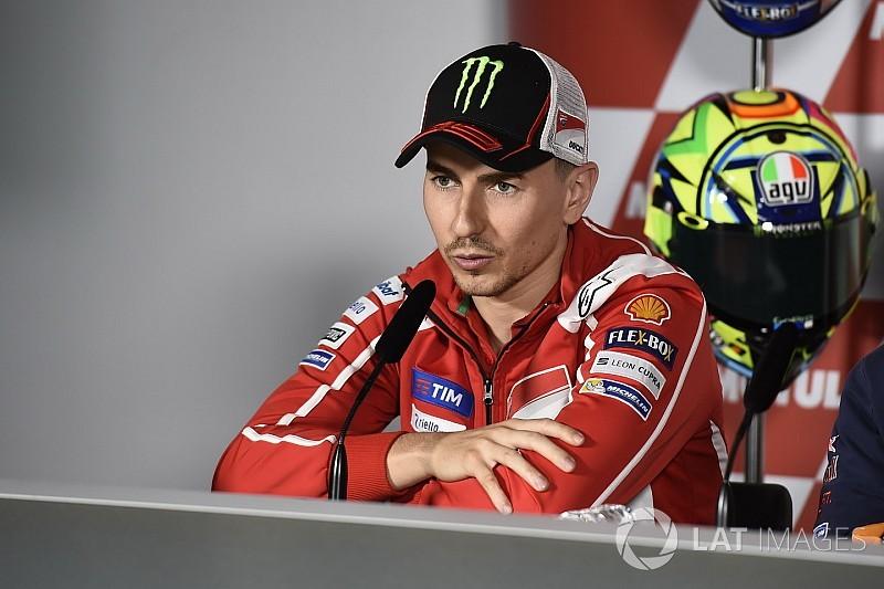 """Lorenzo: """"Io e Valentino non andiamo d'accordo, ma lo ammiro molto"""""""