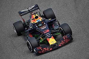 "F1 练习赛报告 巴林大奖赛FP1:里卡多领先""银红两强"",维斯塔潘遭遇引擎问题"