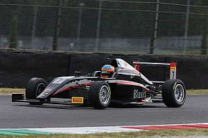 Formula 4 Gara Mugello, Gara 3: Fernandez trionfa davanti a Petrov ed Armstrong