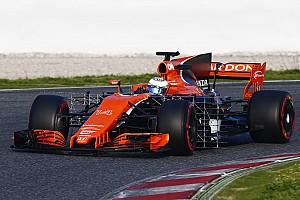 Формула 1 Новость McLaren поменяла двигатель Honda после одного круга