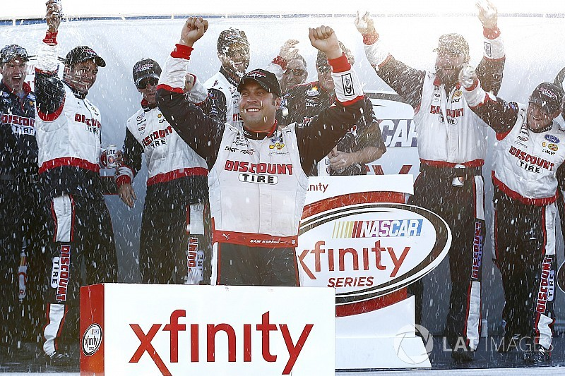 Hornish prevails in crash-filled NASCAR Xfinity race at Mid-Ohio