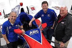IndyCar Nieuws Kanaan officieel naar A.J. Foyt in 2018