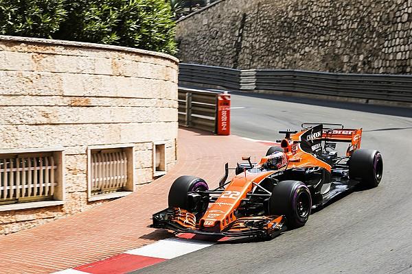 Формула 1 Новость Баттон в своей единственной гонке получил штраф из-за мотора Honda