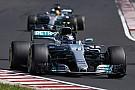 Formula 1 Mercedes, iki pilotunu yarıştırma kararından vazgeçebilir