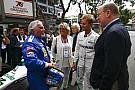Nico Rosberg diz que foi difícil levar pai de volta à pista
