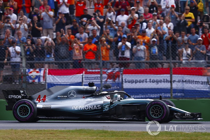 Mercedes pidió a Hamilton que apretase por temor a sanción