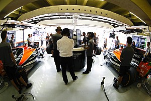 Formule 1 Actualités Vidéo - La McLaren MCL33 à moteur Renault a démarré