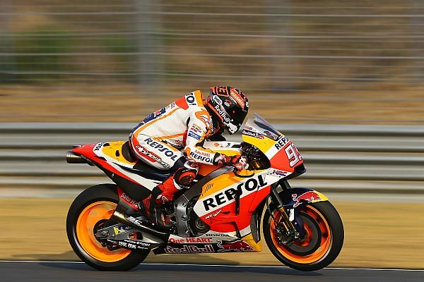 MotoGP Reporte de pruebas Las Honda de Márquez y Pedrosa marcan el ritmo el segundo día en Buriram