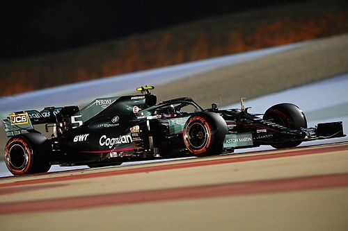 """Vettel: """"Üç haftalık ara, AMR21'i daha iyi anlamamıza yardım etti"""""""