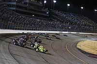 Na Iowa Speedway z kibicami
