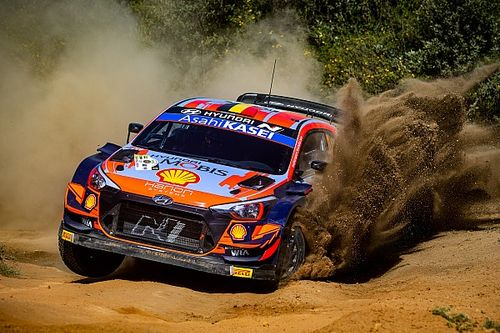 Safari WRC: Neuville leads as Evans and Sordo crash out