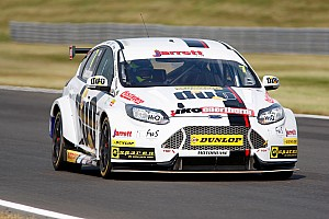BTCC Race report Snetterton BTCC: Jackson wins shortened Race 2 after opening-lap crash