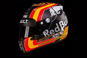 Le casque de Carlos Sainz chez Renault en photos