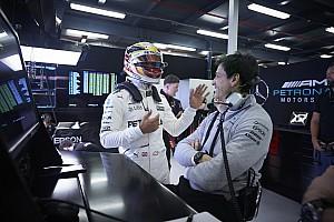F1 Entrevista Cómo una reunión en una cocina ayudó a mejorar la relación Hamilton-Mercedes