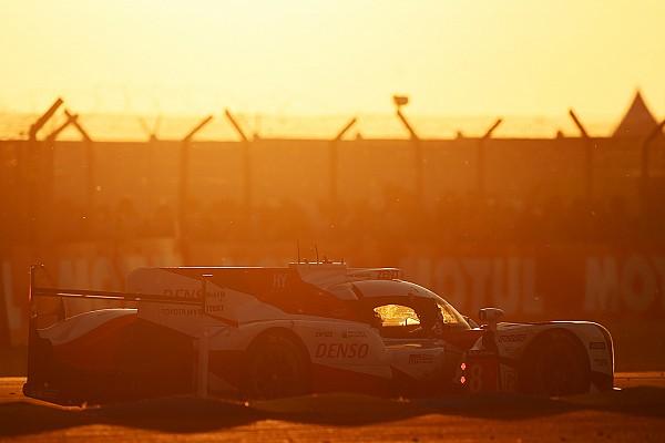 Le Mans uur 9: Toyota en Porsche nek aan nek