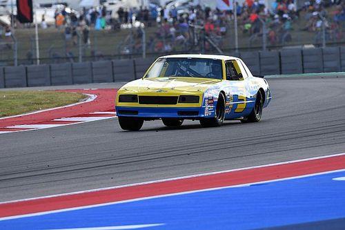 Галерея: призовая поездка Риккардо на винтажной машине NASCAR