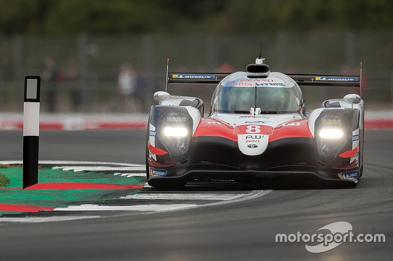 Alonso, Buemi y Nakajima ganan en Silverstone; Pechito López en segundo