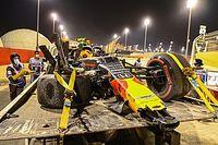 """Verstappen over crash van teamgenoot Albon: """"Het hoort erbij"""""""