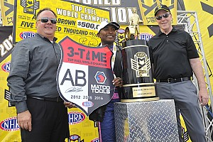 NHRA Race report Brown earns Top Fuel title, Force takes Funny Car win