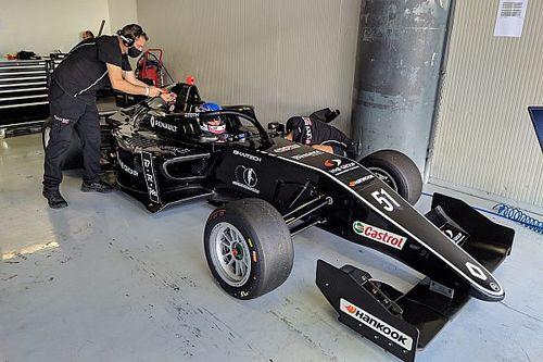 Ma debütál Tóth László a Formula Renault Európa-kupában, itt tudod nézni!