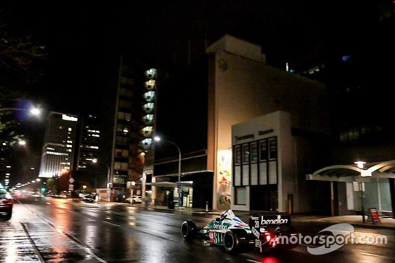 Adelaide'de Supercars pilotları F1 koltuğuna geçti
