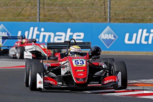 Ilott gana la 2ª carrera de Hungría