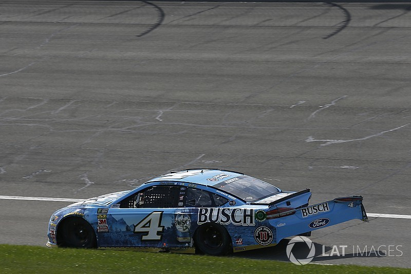 """Harvick takes blame for crash: """"Just a dumb mistake on my part"""""""