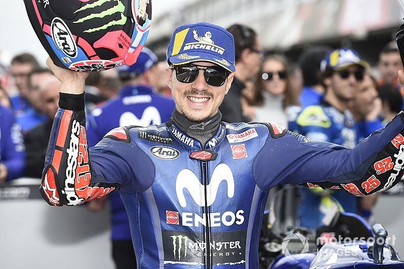 Pole pela primeira vez em 22º GPs, Viñales celebra: