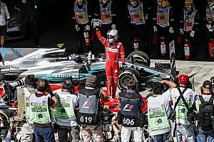 Історія однієї світлини: Феттель і Ferrari знову перемагають