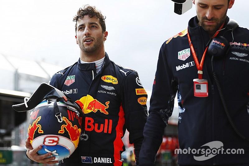 """【F1】リカルド「今年のマシンは""""凶暴な獣""""。今回はそれに捕まった」"""