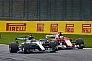 A Mercedes csúnyán átejthette a Ferrarit: ez Vettel címébe kerülhet