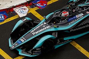 Piquet duro con Jaguar: