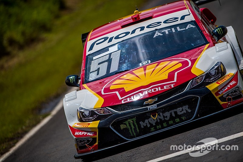 Átila passa Fraga nos pits e leva corrida 2 em Londrina