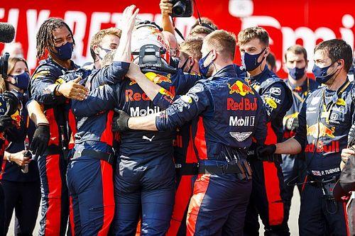 Horner está surpreso por rivais não copiarem estratégia de Verstappen