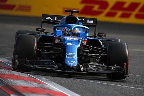 Alonso számos alkalommal visszanézte az előzéseit Bakuból