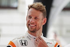 Így száguld 2009 Forma-1 bajnoka a Honda NSX-GT volánja mögött