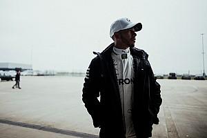 Formel 1 News Lewis Hamilton: Werde mich nicht bei anderen Teams umsehen