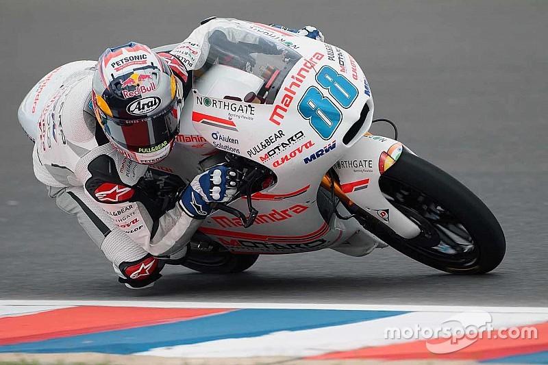Argentina Moto3: Martin leads as several Mahindra riders fall