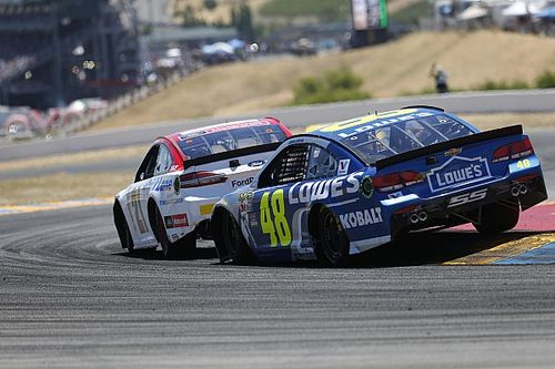 Johnson in favor of further reducing spoiler height in Cup cars