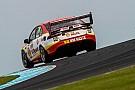 Supercars Маклафлин вновь одержал победу в гонке Supercars на «Филипп-Айленде»