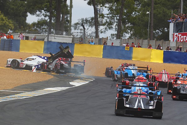 Le Mans 24h: Toyota leads opening hour after wild first lap