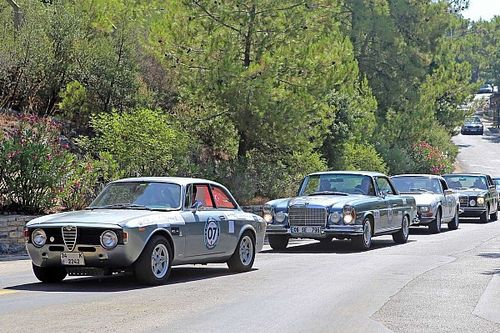 Klasik otomobiller Bodrum'da göz kamaştıracak