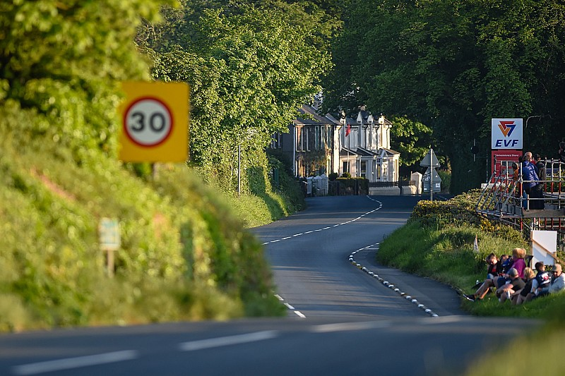 Isle of Man TT 2018: Supersport-Rennen fordert Todesopfer